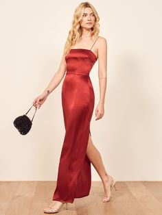 This is a slim fitting, ankle length dress with a straight neckline, spaghetti straps and a center back slit. The Frankie is slim fitting yet comfortable due to the smocked back. Elegant Dresses, Sexy Dresses, Evening Dresses, Prom Dresses, Formal Dresses, Summer Dresses, Romantic Dresses, Wedding Dresses, Ceremony Dresses