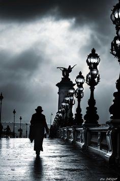 """Photo """"La mystérieuse femme au chapeau"""" by Eric DRIGNY"""