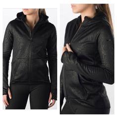 Nike Hoodie S-M-L •Brand new •Authentic ****CHEAPER THROUGH ♏️**** Nike Tops Sweatshirts & Hoodies
