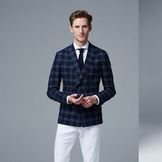 Perfect fit, best quality and a modern look: the blazer has become an eye-catcher this season. Business Mode, Double Breasted Suit, Elegant, Outfit, Catcher, Perfect Fit, Suit Jacket, Blazer, Eye