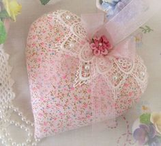 Heart Door Hanger Pillow 6 inches Pink Print by CharlotteStyle I Love Heart, Happy Heart, Dont Break My Heart, Valentine Crafts, Valentine Decorations, Valentines, Hobbies And Crafts, Diy And Crafts, Sewing Crafts