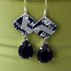 credit card earrings- pretty chic!