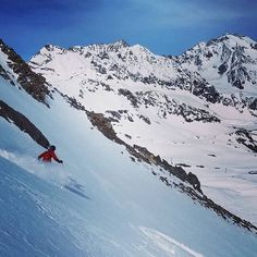 The Alps treated us right again today with sunny skies and cold snow. Here our friend Conan slays the snow and the scenery all in one shot! : Conan Bliss  #ski #skiing #austria #stubai #powder #skiingislife #powderskiing