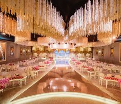 """Extravagant affair  ___________________ ▪Wedding planner/ديكور : Le mariage @lemariage. ▪Floral…"""
