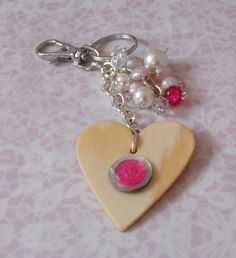 Wood heart with pink button bag charm £5.00