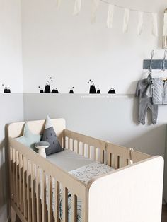 Babykamer styling | Kinderkamerstylist Baby Room Wall Art, Baby Room Decor, Nursery Room, Nursery Decor, Baby Bedroom, Baby Boy Rooms, Kids Bedroom, Monochrome Nursery, Nursery Accessories