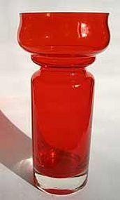 Art glass vase designed by Tamara Aladin for Riihimäki Lasi Oy, Finland Red Glass, Glass Art, Decorative Glass, Modern Glass, Aladdin, 1970s, Vase, Antiques, Collection