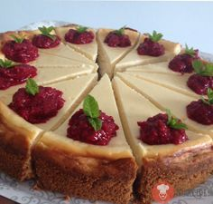 Ovrený recept na skvelý klasický cheesecake. Cheesecake Cupcakes, Cheesecake Brownies, Cheesecake Recipes, Czech Desserts, Cake Recept, Dessert Presentation, Czech Recipes, 20 Min, Sweet Cakes