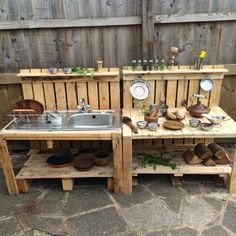 New diy kids outdoor play area ideas pallets mud kitchen ideas Kids Outdoor Play, Outdoor Play Spaces, Backyard Play, Outdoor Fun, Diy Mud Kitchen, Outdoor Kitchen Design, Kitchen Ideas, Kitchen Designs, Outdoor Play Kitchen