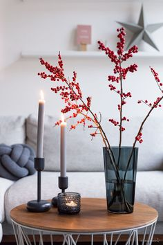 Christmas is coming - so simply decorate the .- Simple Christmas decoration with Ylex branches - Minimal Christmas, Christmas Mood, Modern Christmas, Scandinavian Christmas, Christmas Is Coming, All Things Christmas, Simple Christmas, Christmas Crafts, Christmas Aesthetic