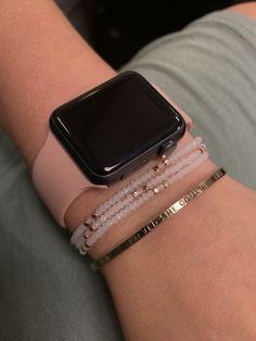 Ear Jewelry, Jewelery, Jóias Body Chains, Apple Watch Hacks, Jean Moda, Apple Watch Bands Fashion, Apple Watch Bracelets, Mode Chanel, Apple Watch Accessories