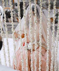Desi Wedding Decor, Wedding Decorations, Indian Wedding Photography Poses, Bridal Photoshoot, Pakistani Bridal, Bridal Outfits, Wedding Couples, Bride, Nikkah Dress