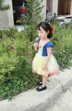 Cute Little Girls, Cute Kids, Cute Babies, Mom And Baby, Baby Love, Baby Kids, Korean Babies, Asian Babies, Cute Baby Pictures
