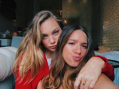 Maddie and Mackenzie Ziegler Maddie E Mackenzie, Mackenzie Ziegler, Best Friend Pictures, Bff Pictures, Dance Moms Girls, Cute Friends, Gal Pal, Best Friend Goals, Pretty People