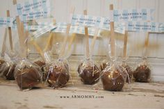 Cake pops: party favors