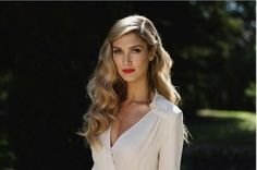 Recreate the past... Finger waves, whinged eyeliner and red lips! #deltagoodrem