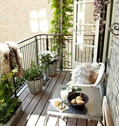 Blogger Anja in Paris of AMS Interior Styling offers battered surfaces that look fresh and add personality to new balconies.
