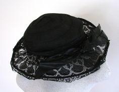 Edwardian black lace & horsehair Wired frames hat. ca. 1910.