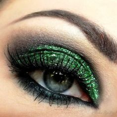Green Eye Makeup For Gorgeous Ladies! - http://www.stylishboard.com/green-eye-makeup-gorgeous-ladies/