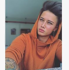 """8,643 Likes, 60 Comments - Ylenia Riniti (@yleniariniti94) on Instagram: """"#photooftheday #work #italiangirl #tomboy #tomboystyle #hairstyle #mood #orange #selfie #instagood…"""""""
