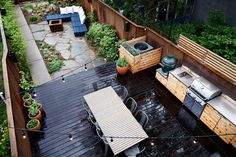 Beautiful Small Yard With Outdoor Kitchen Hidden A C Dining