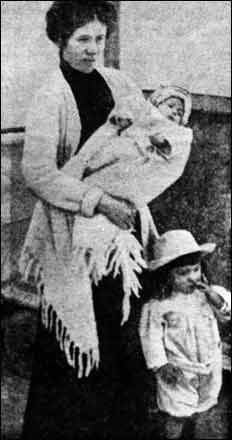 Baby Millvina Dean with mother and brother -  she was the last Titanic Survivor - she died in 2009