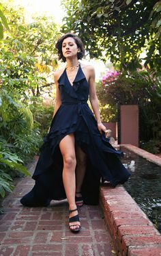 KARLAS CLOSET: Golden Girl. black gown. maxi dress. womens fashion. style. find more women fashion on misspool.com