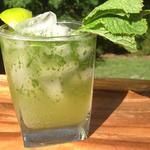 Ginger Beer Mojito: Just 125 Calories! I'd like to try this non-alcoholic with just Ginger Ale
