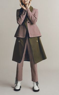Get inspired and discover Burberry: The Heritage Trench Collection trunkshow! Shop the latest Burberry: The Heritage Trench Collection collection at Moda Operandi. Burberry Outfit, New Woman, Trench, Raincoat, Jackets, Shopping, Clothes, Collection, Women