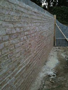 Mur en pavé blanc