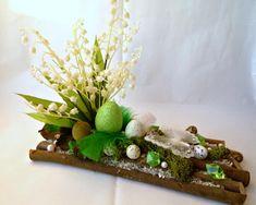 veľkonočné dekorácie z papiera - Hľadať Googlom Ikebana, Making Ideas, Table Decorations, Spring, Home Decor, Beaded Bracelets, Vases, Roof Tiles, Floral Arrangements