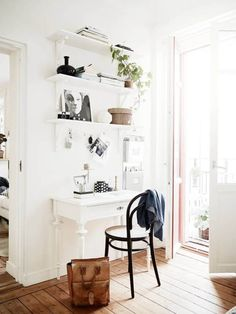 Not everybody has an entire room (or even an entire wall) to set aside as a workspace