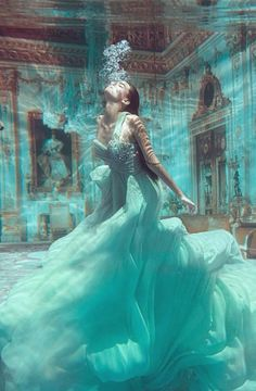 Fashion Art Photography Haute Couture Source by fashion photography editorial Underwater Photoshoot, Underwater Art, Underwater Photography, Photography Women, Portrait Photography, Fashion Photography, Fantasy Photography, Photography Ideas, Editorial Photography