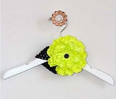 Cach Cach Zebra Brights Lime Flower headband [My favorite color!!!] $12.00 from Le Pink