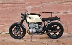 BMW R80 Monolever Brat Style by Michael Hammer #motorcycles #bratstyle #motos | caferacerpasion.com