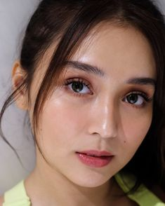 Hair and make-up ✨ rhyza bianca ✨ ( Filipina Actress, Filipina Beauty, Kathryn Bernardo Hairstyle, Sarah Lahbati, Natural Make Up, Celebrity Hairstyles, Makeup Inspo, Face Shapes, Clear Skin