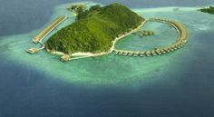 Ariana private Island - the phillipines Resorts In Philippines, Philippines Travel, Bungalow Resorts, Overwater Bungalows, Palawan, Island Resort, Turquoise Water, Asia Travel, Winter Holidays