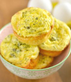 Cream of Broccoli Soup with Coconut Milk exclusivelypaleo…. … Cream of Broccoli Soup with Coconut Milk exclusivelypaleo…. Muffin Tin Breakfast, Healthy Breakfast Recipes, Healthy Cooking, Healthy Eating, Breakfast Ideas, Healthy Detox, Healthy Food, Clean Eating, Detox Diet Recipes