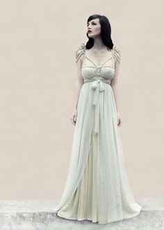 """All About Rohmy ..."": ROHMY Gold Label: Dress Titania"