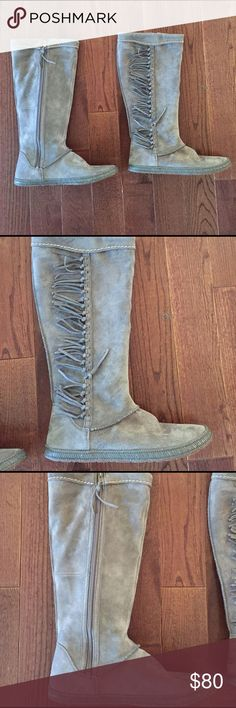 UGG Mammoth gray boots 8 new UGG Mammoth gray boots 8 new. Side zip fringe UGG Shoes Winter & Rain Boots