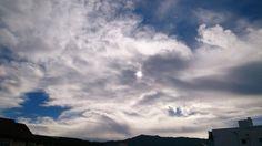 De algunos cirros que surcaban el cielo
