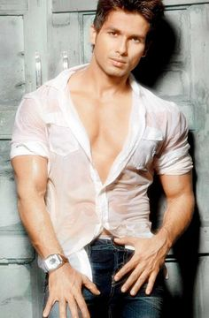 Shahid Kapoor #Bollywood #Fashion