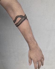 "1,921 Likes, 6 Comments - Justin Ryan Olivier (@justinoliviertattoo) on Instagram: ""Ouroboros. #tattoo #tattoos #snaketattoo"""