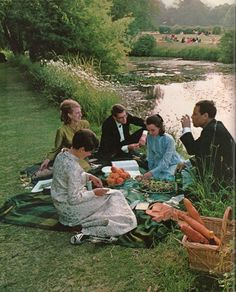 C.1969: The British picnic,a venerable institution whose main course may be as simple as cold pork pie,reaches its apex of elegance in the annual outing of Glyndebourne Opera Festival in Sussex.In formal attire,opera lovers repair between acts to the grounds of the Glyndebourne estate,where,the festival takes place for refreshments they may have brought w/ them or have ordered from a caterer. This picnic: green salad,bowl of peaches,wine,Cornish lobster,pates,Melba toast & strawberry…