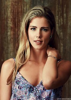 Arrow - Emily Bett Rickards as Felecity Smoak - the Geekest - the Cutest