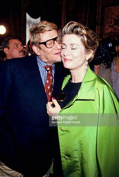 Yves Saint Laurent et Catherine Deneuve en Juillet 1993. Getty Images