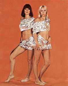 Agnetha and Frida from Abba. 70s Singers, Female Singers, Abba Mania, Popular Music, Celebrity Feet, Debut Album, Greatest Hits, Music Is Life, Pop Group