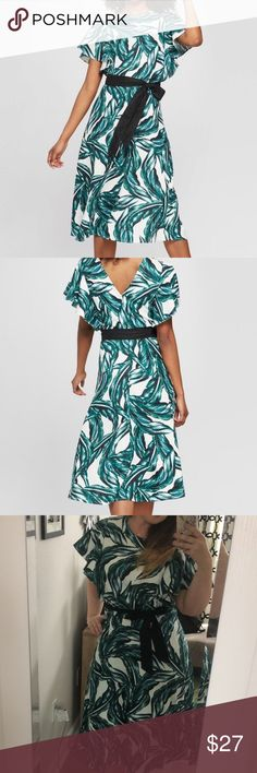 WHO WHAT WEAR Palm A-Line Dress Worn Once XL Worn once, but it's way too big in the top for me.  A-Line.  Grossgrain ribbon belt. Who What Wear Dresses Midi