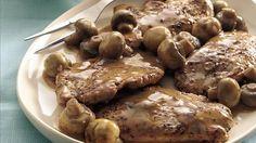 Peppered Pork Medallions in Tangy Mushroom Sauce - A robust mushroom sauce pairs well slightly spicy pork tenderloin. Pork Mushroom, Mushroom Cream Sauces, Mushroom Sauce, Greek Recipes, Pork Recipes, Cooking Recipes, Pork Medallions, Achiote, Pork Ham