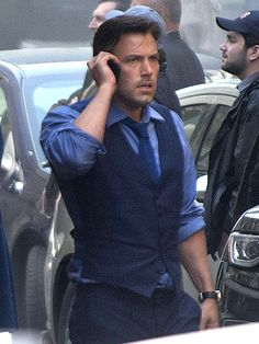 PHOTO: See Ben Affleck as Bruce Wayne on Batman v Superman Set http://www.people.com/article/ben-affleck-batman-bruce-wayne-photo